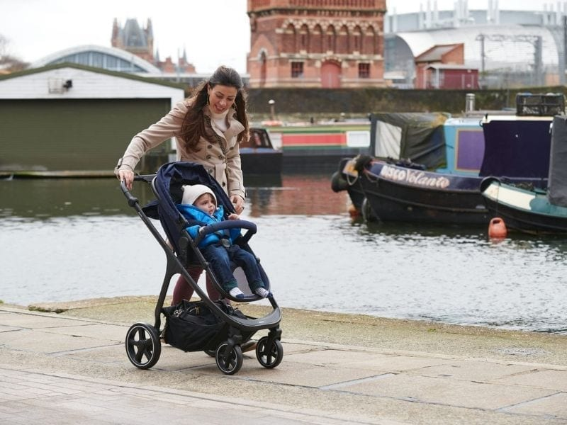 it's time for baby to face the world in pushchair