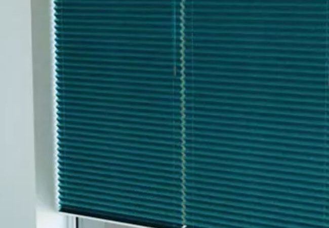 IS&B Pillar Page pleated blinds