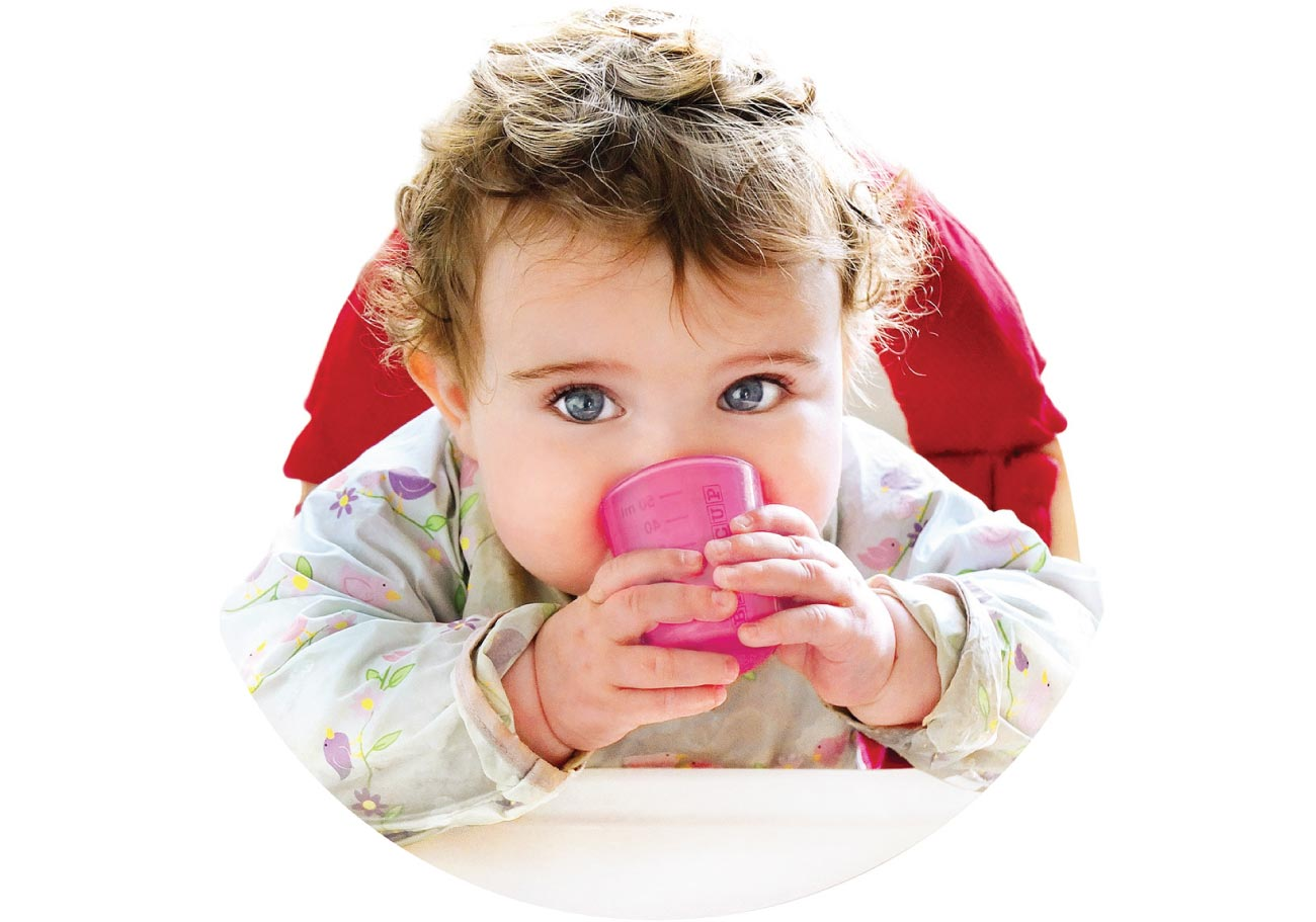 Why parents & experts choose an open cup when weaning